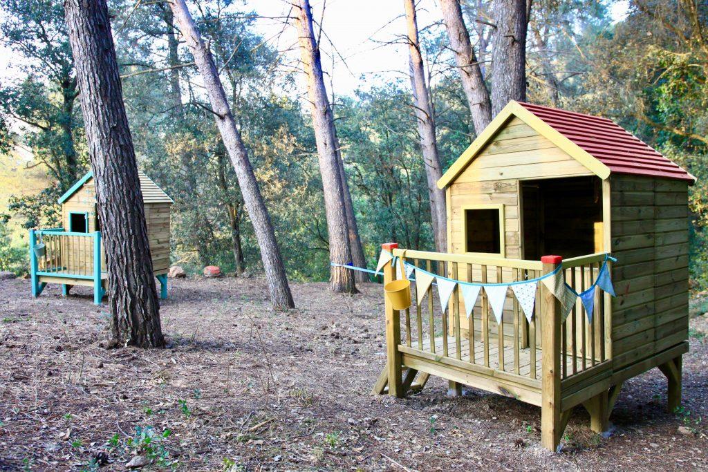 Escuela bosque Montessori: Cabañas en espacio exterior