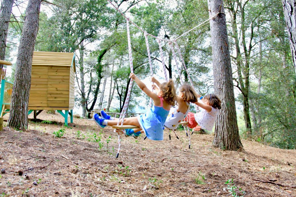 Un día en una escuela bosque Montessori