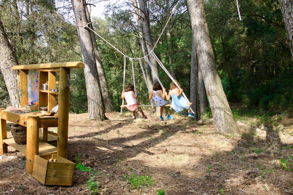 Escuela Montessori en plena naturaleza en Barcelona